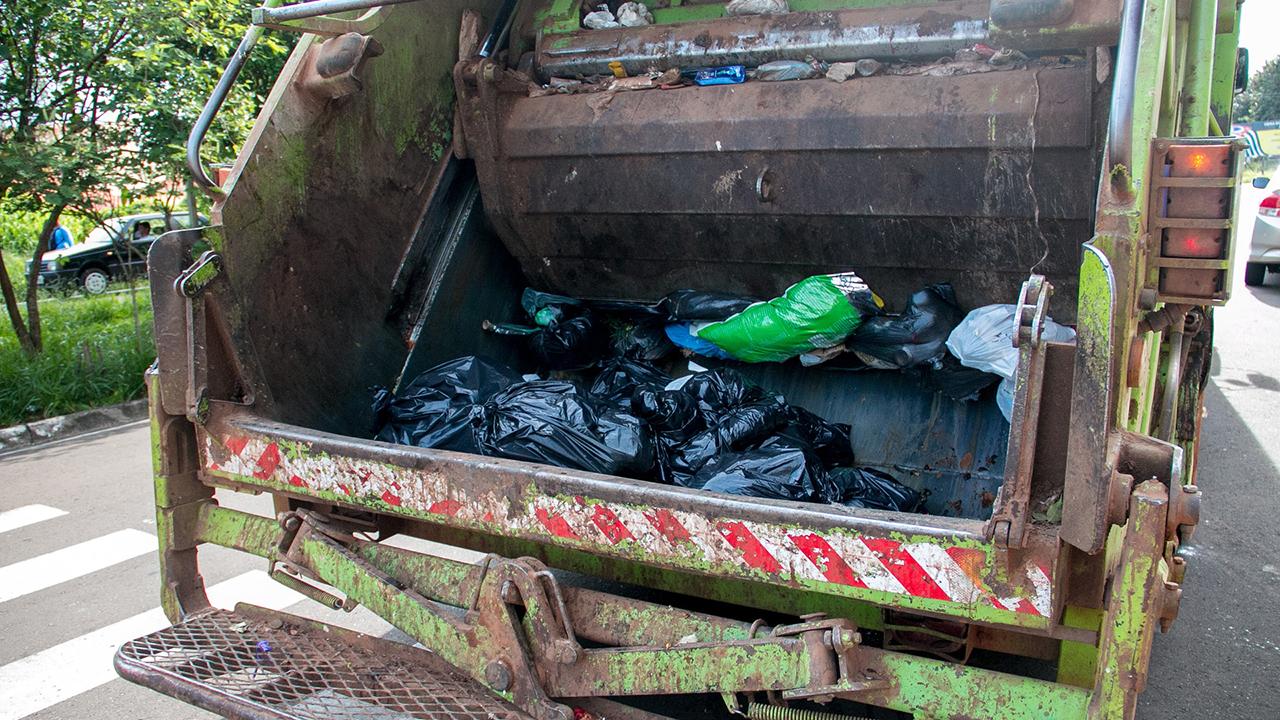 garbage truck generic trash truck generic _1554950389225.jpg.jpg