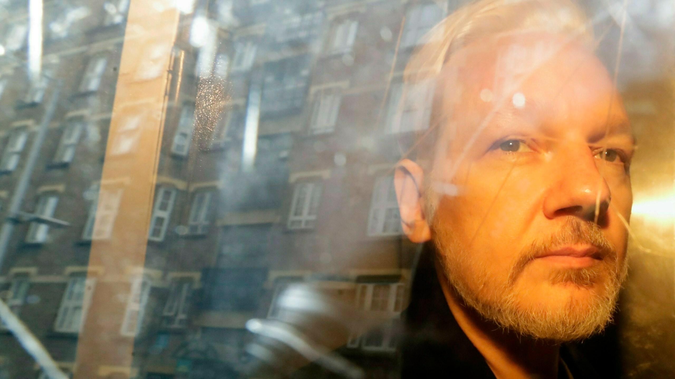 Britain_Sweden_Assange_72787-159532.jpg84490015