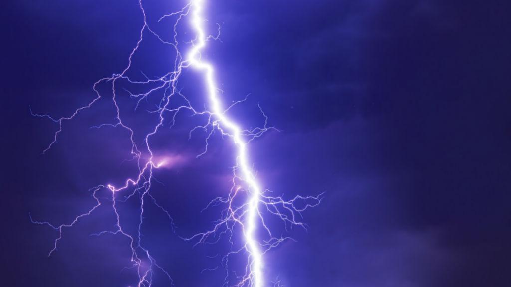 Lightning generic_1560164325522.jpg.jpg