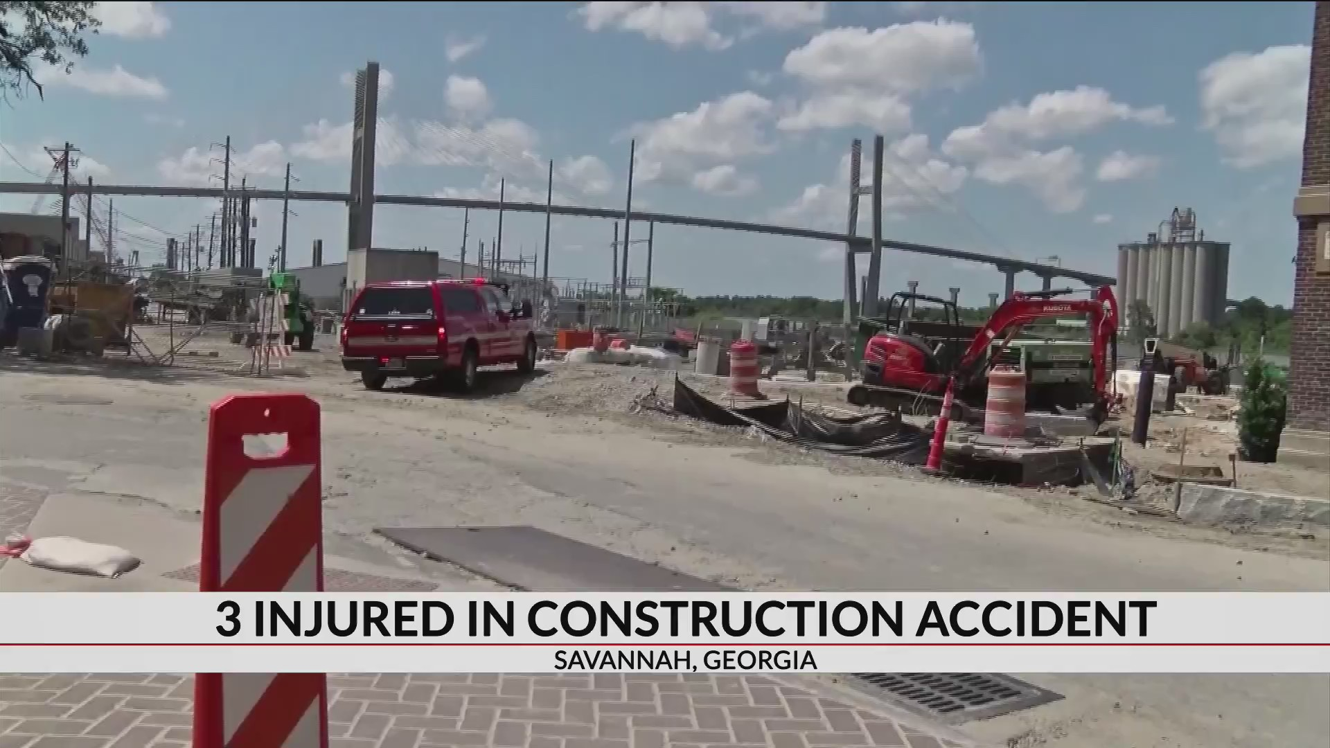 3 people injured in construction incident in downtown Savannah