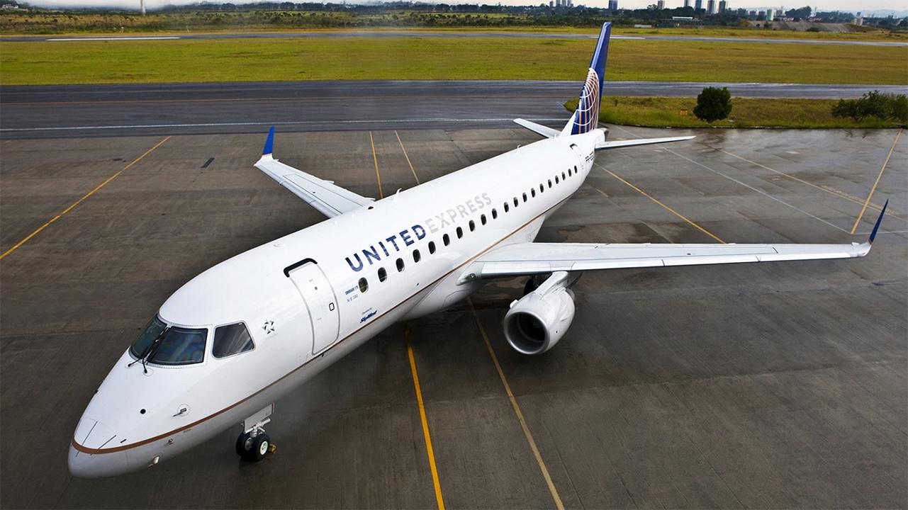 United Airlines plane Embraer 175 _1550359136708.jpg.jpg