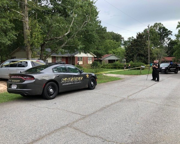 Deputies at scene of shooting on Chipwood Drive in Anderson County, July 14, 2019.