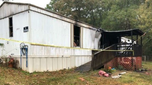 Woman burned in fire that destroyed Spartanburg mobile home