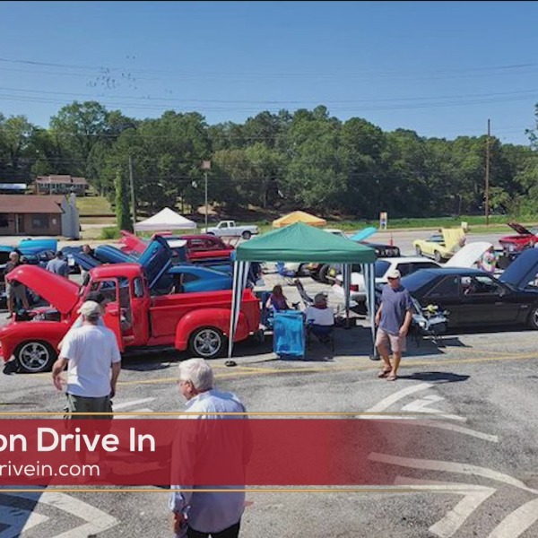 Beacon Drive In Car Show